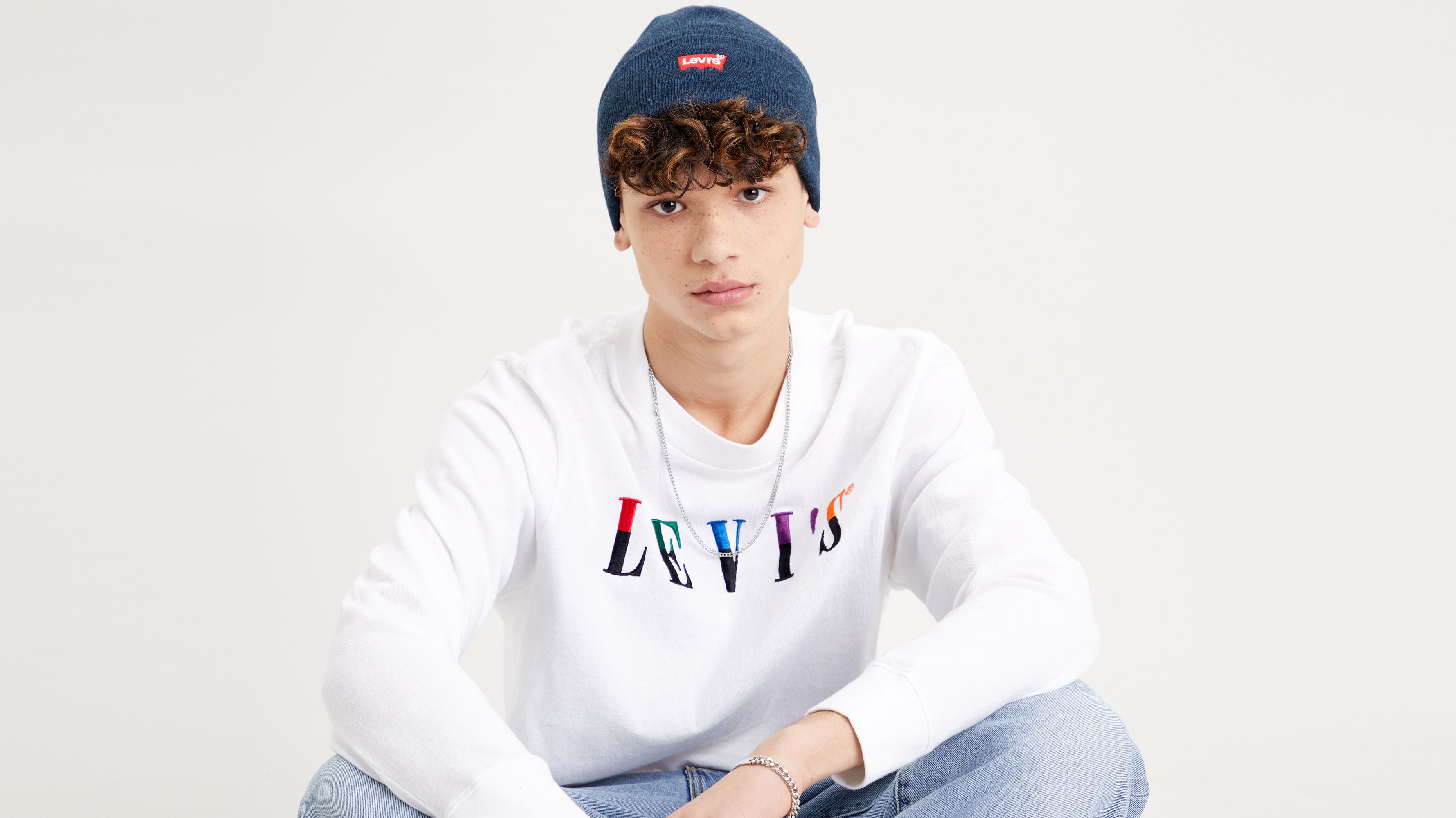 Levi`s Embroidered Slouchy Beanie